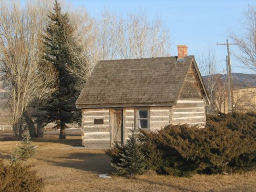  Historic cabin in Panguitch