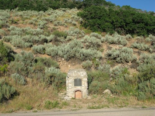  Lime kiln Daughters of Utah Pioneers Monument in Midway 
